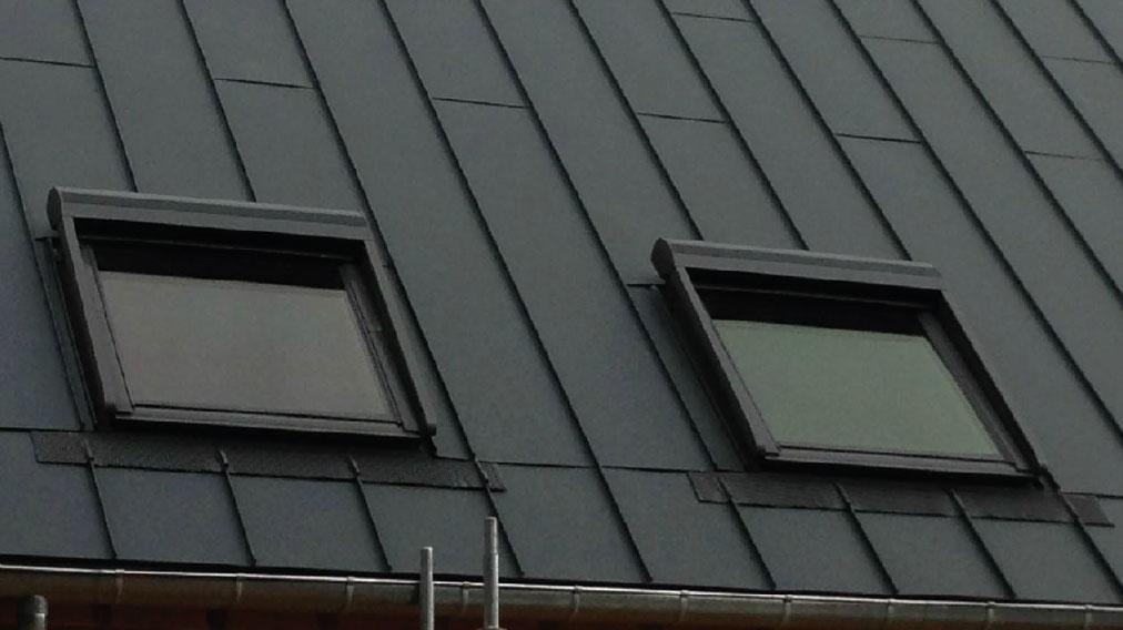 Création et pose de velux sur une couverture par des installateurs de fenêtres de toit Velux - Brou, Mamers, Souancé, Rémalard, Brunelles, Nocé, Bellême, Le Theil sur huisne, La Ferté Bernard, Avezé - Eure et Loir - Sarthe - Orne - Perche